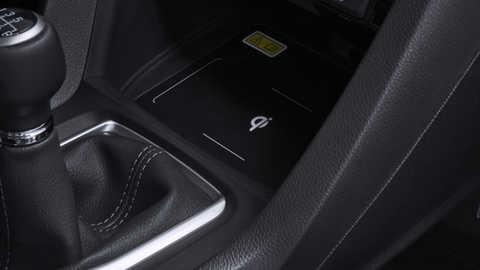 Detailný záber na bezdrôtovú nabíjačku