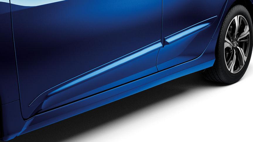 Predný trojštvrťový detailný pohľad na balík Protection 5-dverovej Hondy Civic.