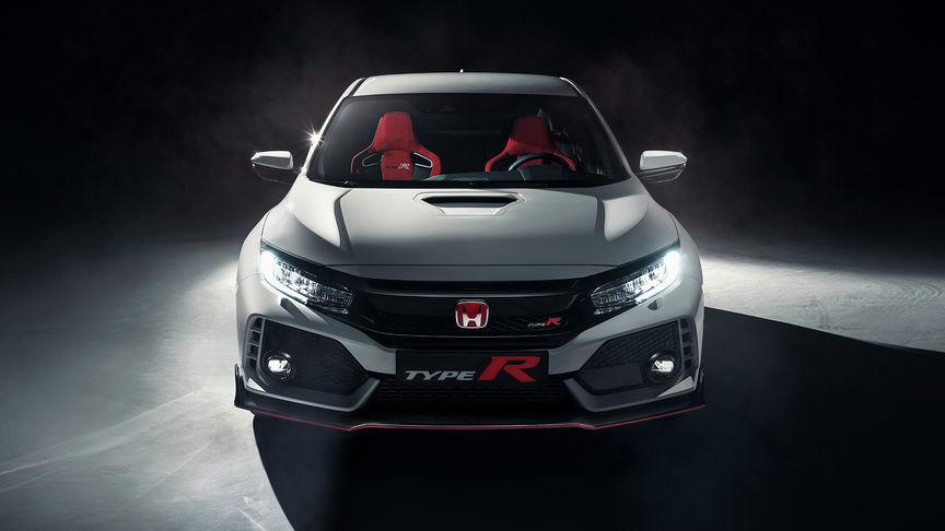 Pohľad na prednú časť vozidla Honda Civic Type R.