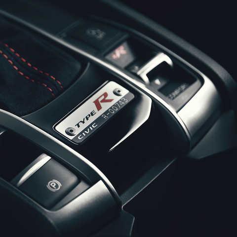 Detailný záber na prvky interiéru modelu Civic Type R.