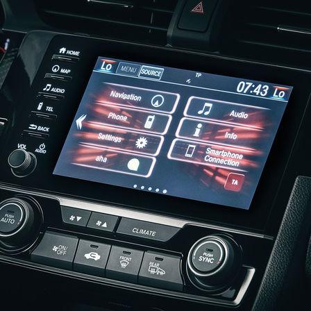 Priblížený pohľad na obrazovku systému CONNECT modelu Honda Civic Type R.