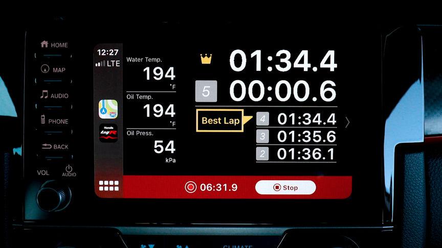 Detailný záber na obrazovku s meraním času na kolo.