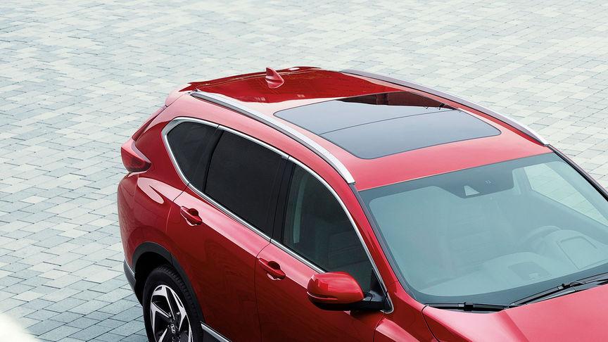 Detailný trojštvrťový pohľad na model Honda CR-V.