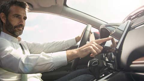Bočný pohľad na 7-palcový dotykový displej modelu Honda CR-V.
