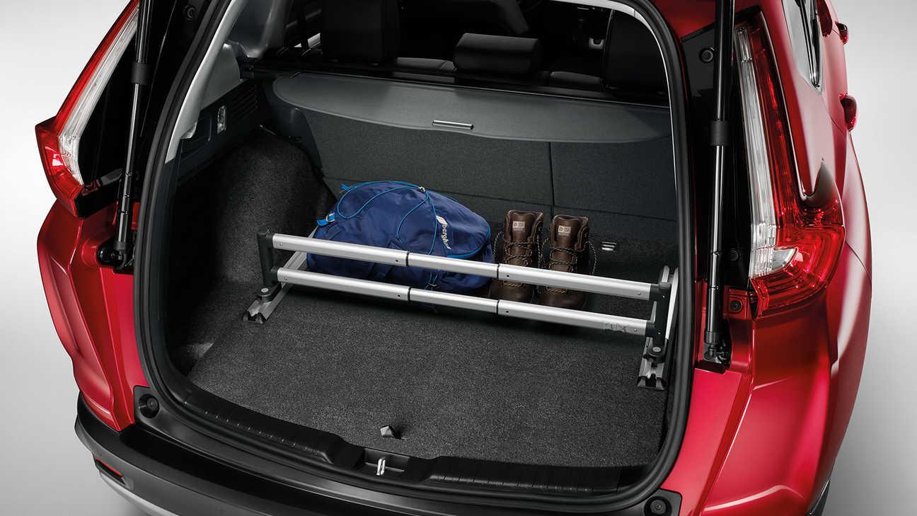Zadný pohľad na prémiový organizér batožinového priestoru modelu Honda CR-V Hybrid.