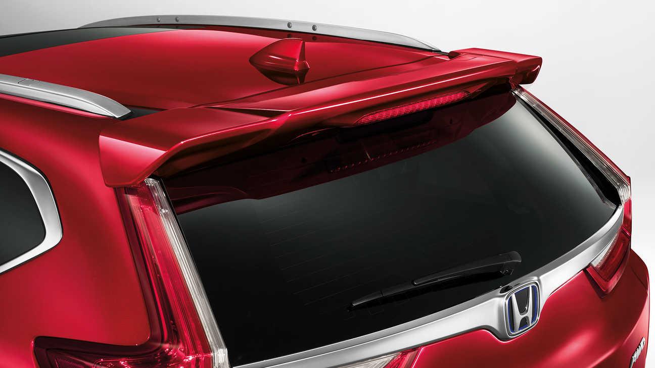 Detailný záber na spojler batožinového priestoru modelu Honda CR-V Hybrid.