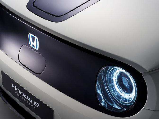 Detailný záber na prototyp Honda e Prototype.