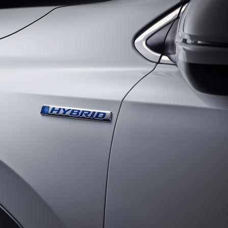 Zadný trojštvrťový pohľad na model Honda CR-V.