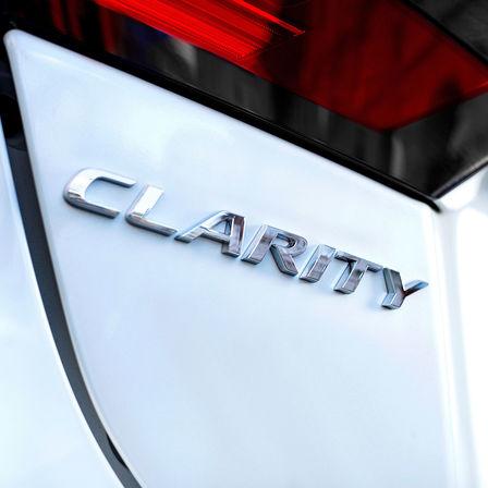 Pohľad spredu na vozidlo Honda Sports EV Concept.