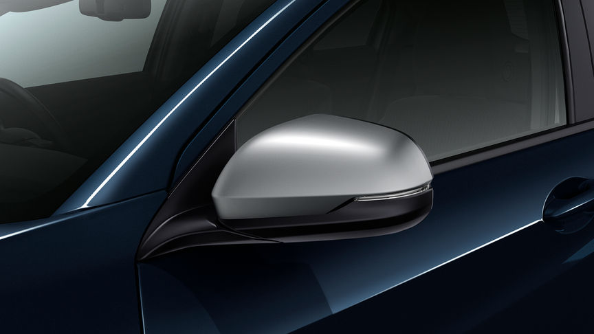 Close up of Honda HR-V mirror caps.