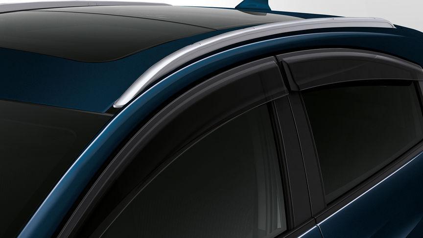 Detailný záber deflektorov na dvere modelu Honda HR-V.