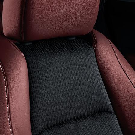 Detailný záber do interiéru na sedadlá modelu Honda HR-V Sport.