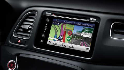 Detailný záber na informačno-zábavný systém modelu Honda HR-V.