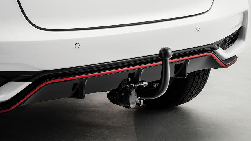 Detailný záber na odnímateľné ťažné zariadenie modelu Honda Jazz.