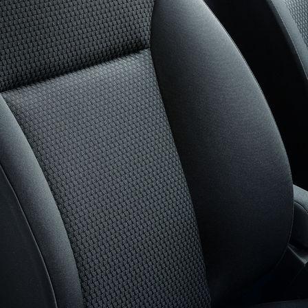 Detailný záber na vnútorné čalúnenie modelu Honda Jazz.