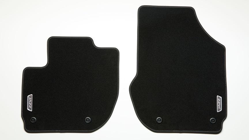 Detailný záber na podlahové koberce Elegance modelu Honda Jazz Hybrid