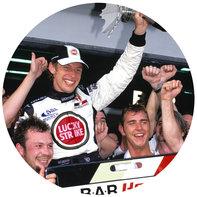 Jenson Button práve vyhral preteky.