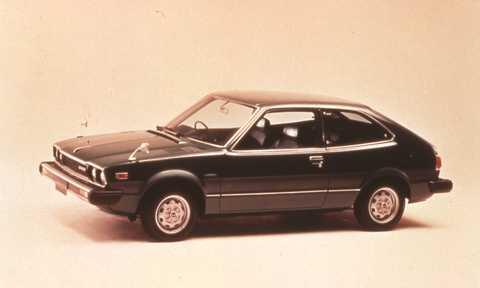 Pôvodná Honda Accord, pohľad zboku.
