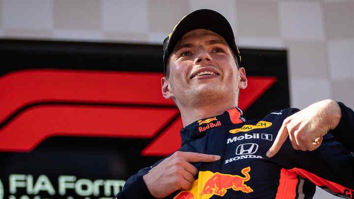 Honda poháňa tím Aston Martin Red Bull Racing