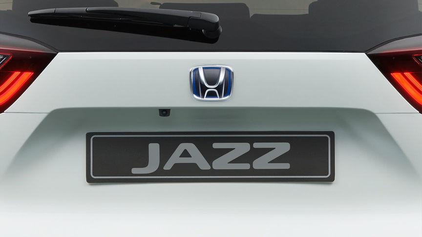 Detailný pohľad na parkovaciu kameru modelu Honda Jazz Hybrid